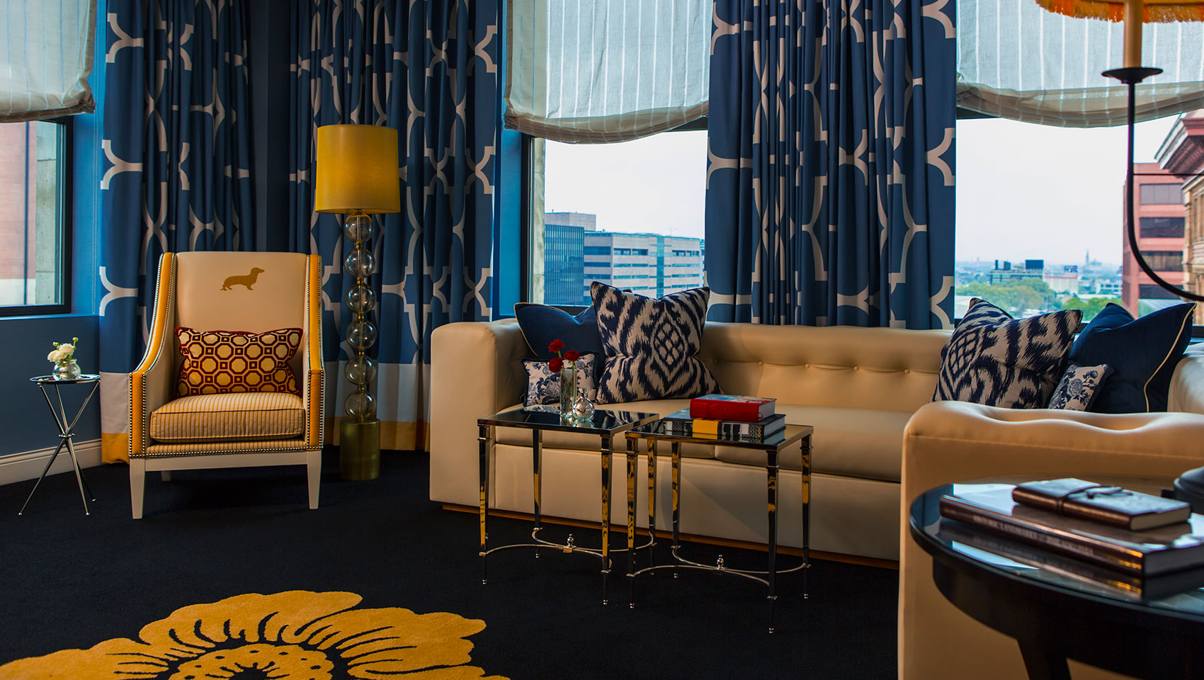 Hotel suites in philadelphia kimpton hotel monaco for Kimpton hotel decor